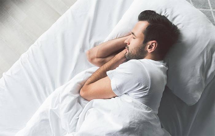 ile godzin snu dla mężczyzn